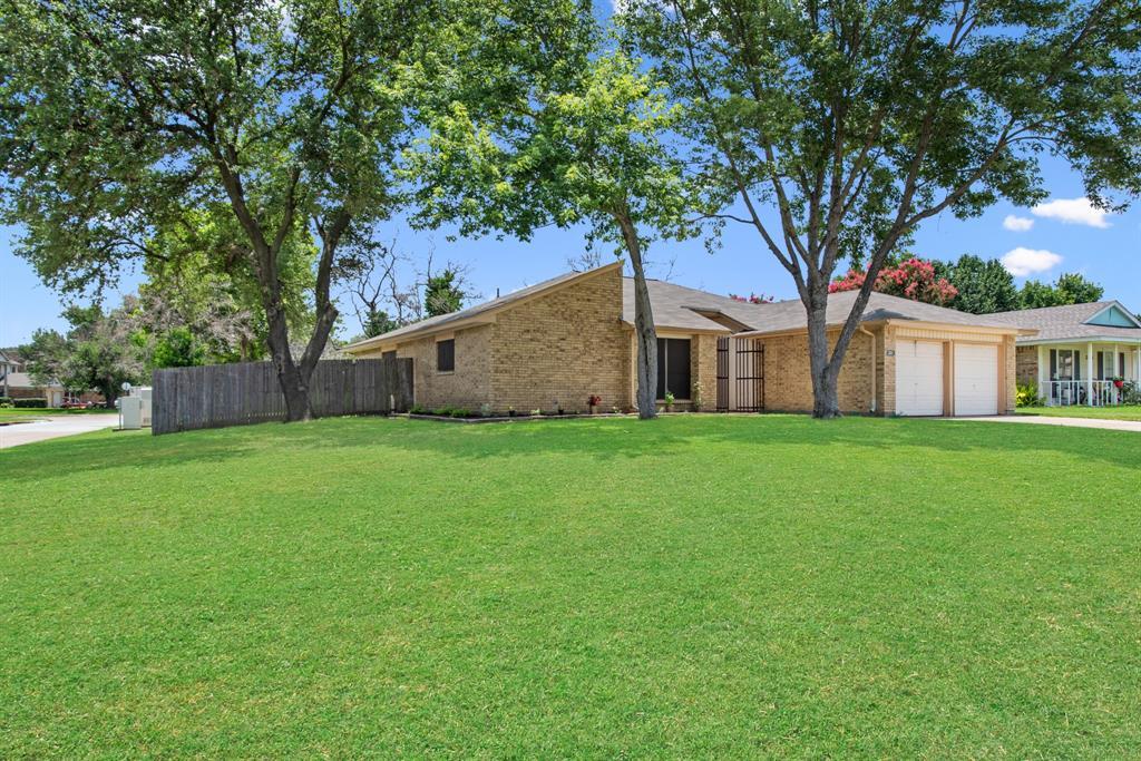 Sold Property | 2601 Carrington Lane Grand Prairie, Texas 75052 4