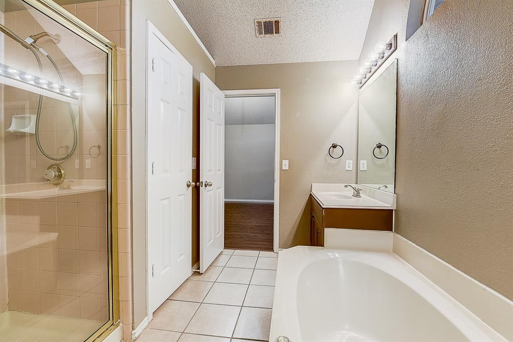 Pending | 10021 Danbury Drive Frisco, Texas 75035 32