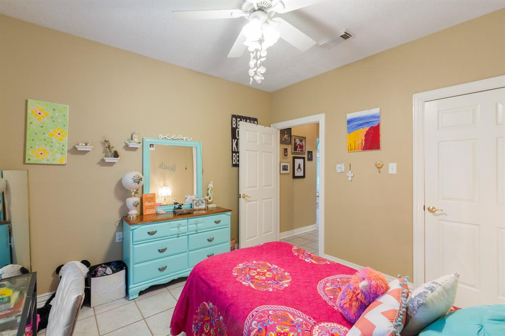 Pending | 22004 Three Pines Drive Hockley, Texas 77447 26