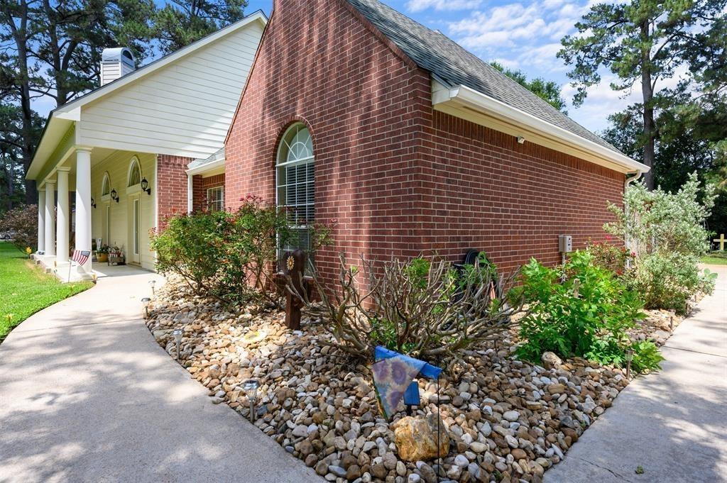 Pending | 22004 Three Pines Drive Hockley, Texas 77447 2