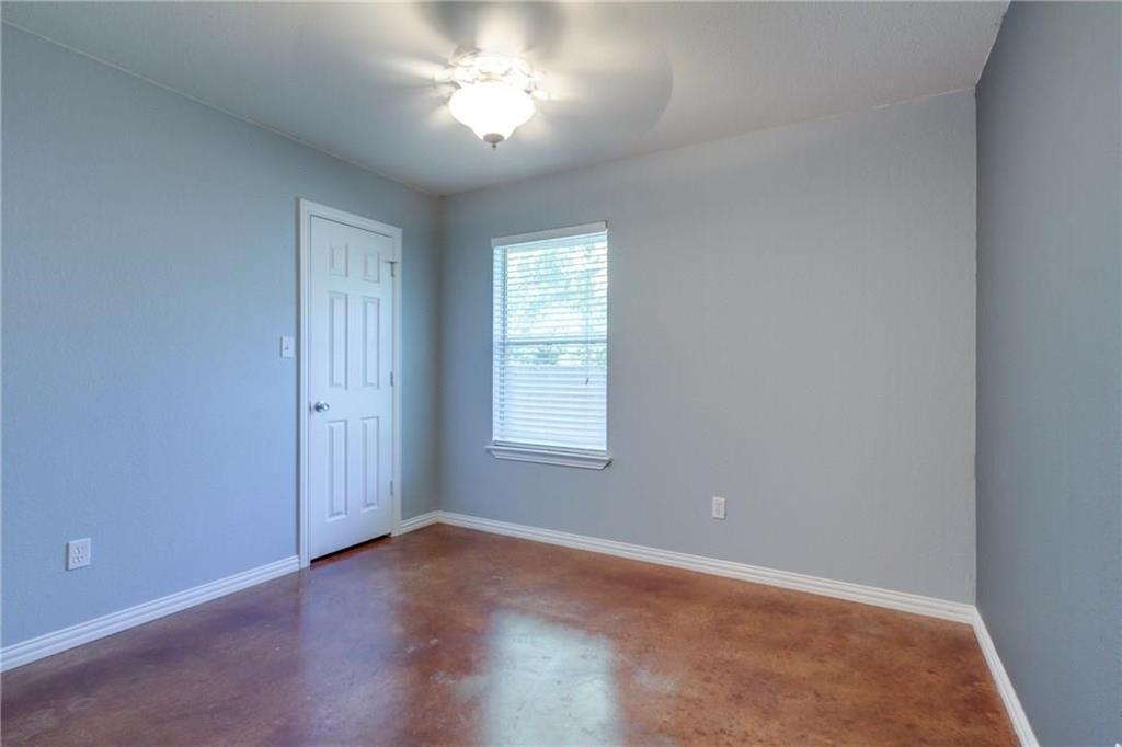 Pending | 229 S Lakeview Drive Lake Dallas, Texas 75065 5