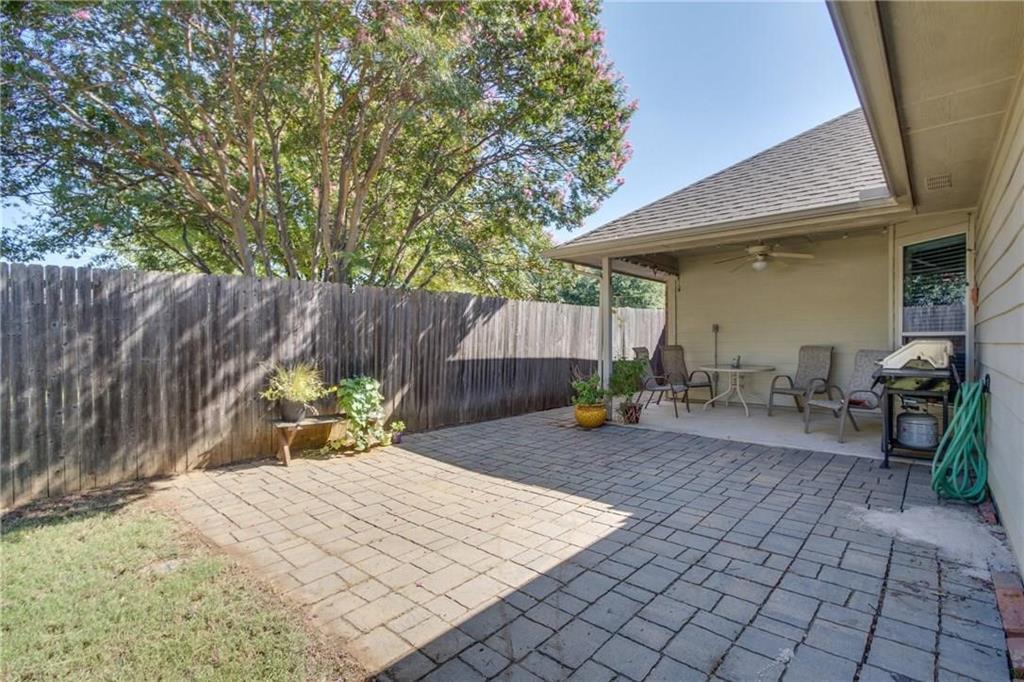 Pending | 229 S Lakeview Drive Lake Dallas, Texas 75065 6