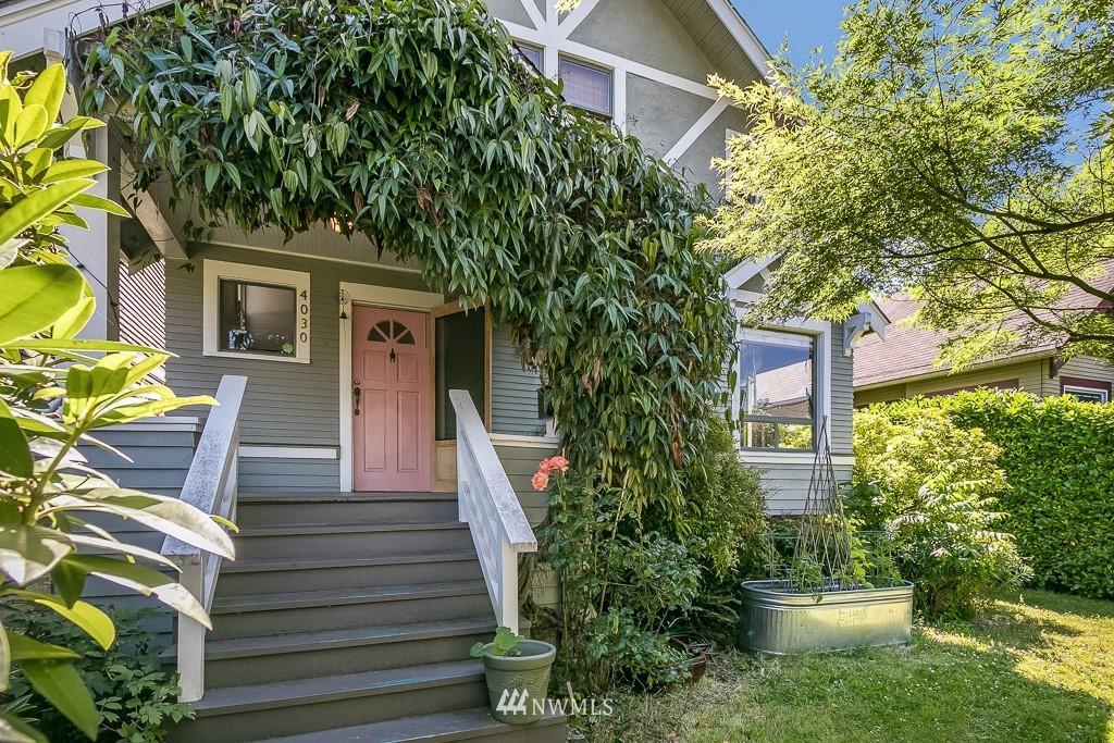 Sold Property | 4030 Evanston Avenue N Seattle, WA 98103 0
