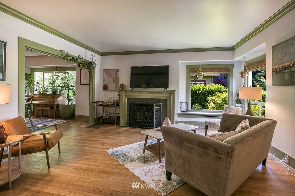 Sold Property | 4030 Evanston Avenue N Seattle, WA 98103 2