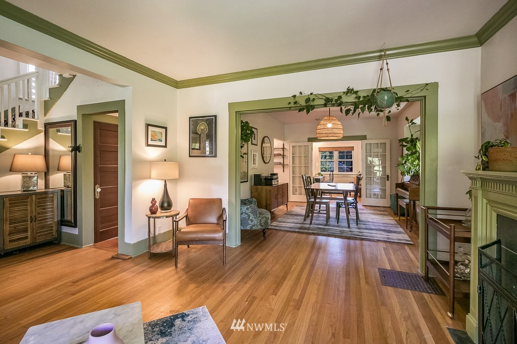 Sold Property | 4030 Evanston Avenue N Seattle, WA 98103 3