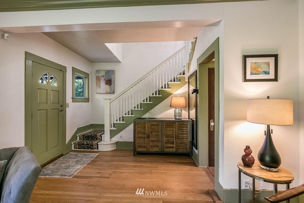 Sold Property | 4030 Evanston Avenue N Seattle, WA 98103 5