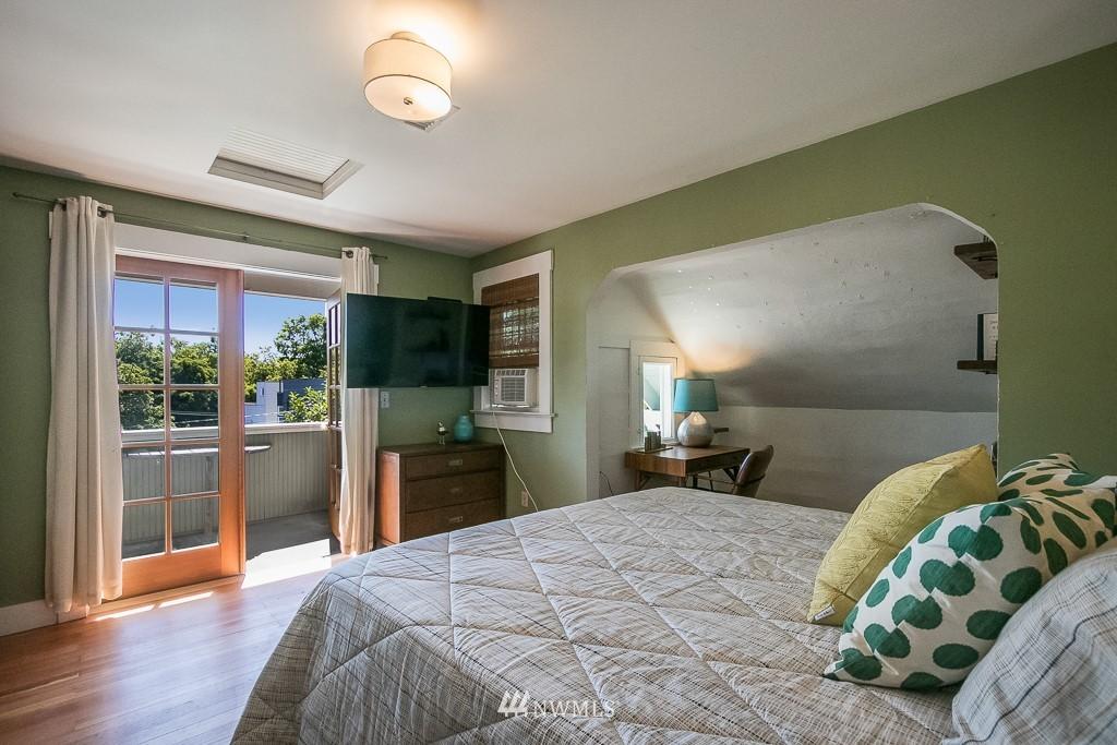Sold Property | 4030 Evanston Avenue N Seattle, WA 98103 24