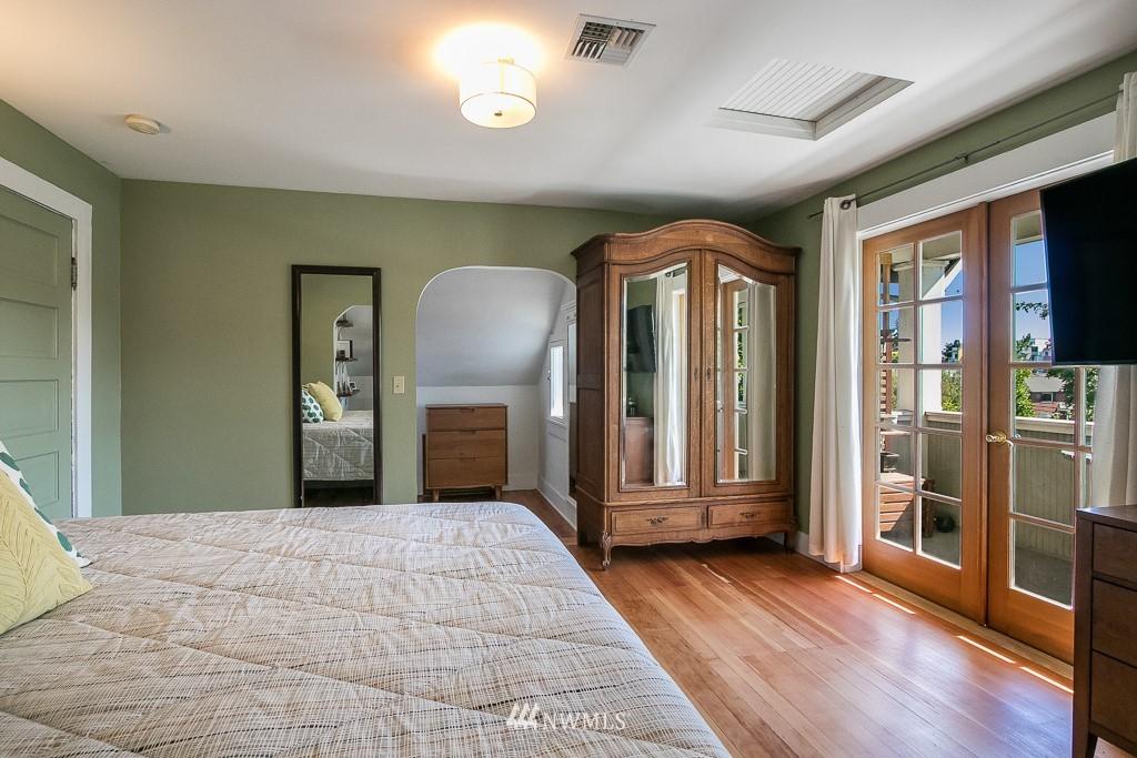 Sold Property | 4030 Evanston Avenue N Seattle, WA 98103 25