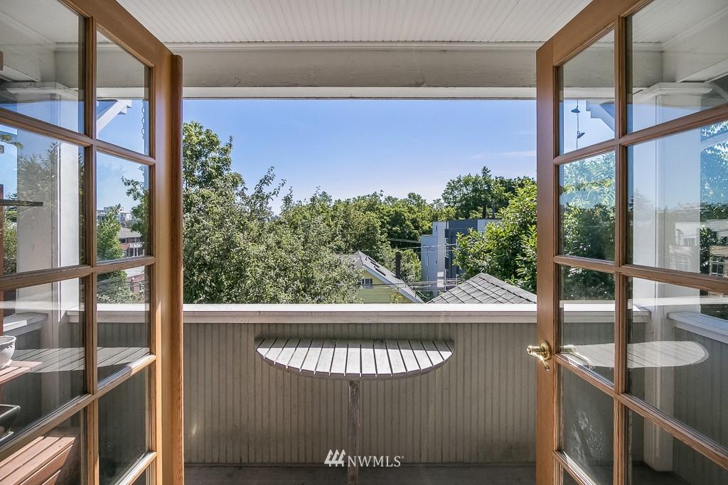 Sold Property | 4030 Evanston Avenue N Seattle, WA 98103 26