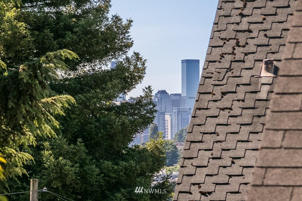 Sold Property | 4030 Evanston Avenue N Seattle, WA 98103 27