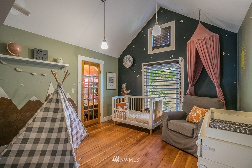 Sold Property | 4030 Evanston Avenue N Seattle, WA 98103 28