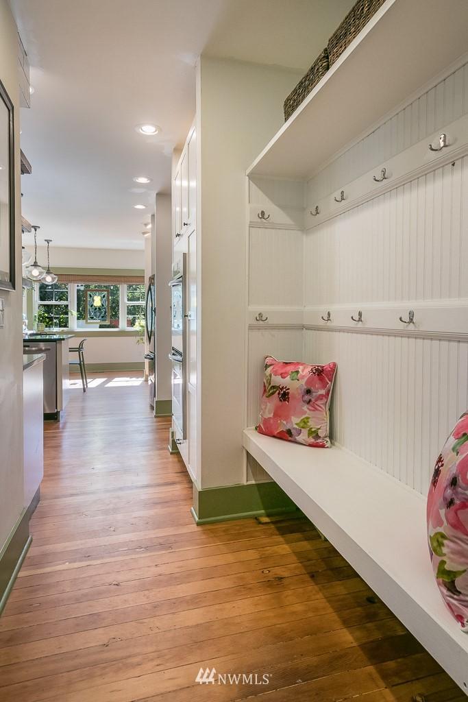 Sold Property | 4030 Evanston Avenue N Seattle, WA 98103 32