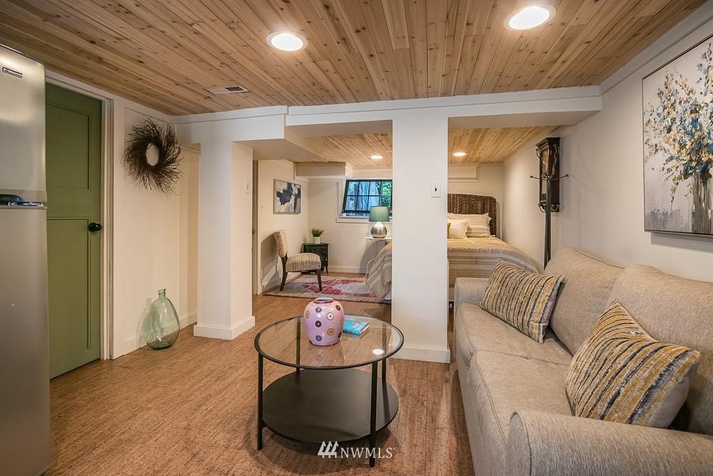 Sold Property | 4030 Evanston Avenue N Seattle, WA 98103 33