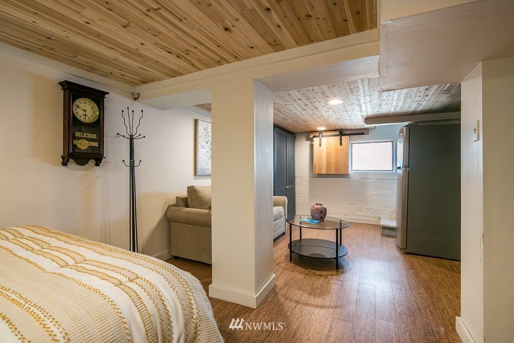 Sold Property | 4030 Evanston Avenue N Seattle, WA 98103 35