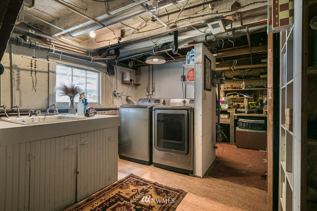Sold Property | 4030 Evanston Avenue N Seattle, WA 98103 36