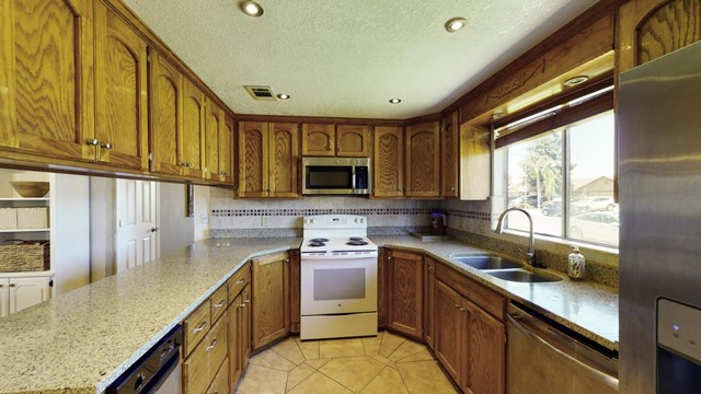Off Market   2126 McKinley Court Los Banos, CA 93635 9