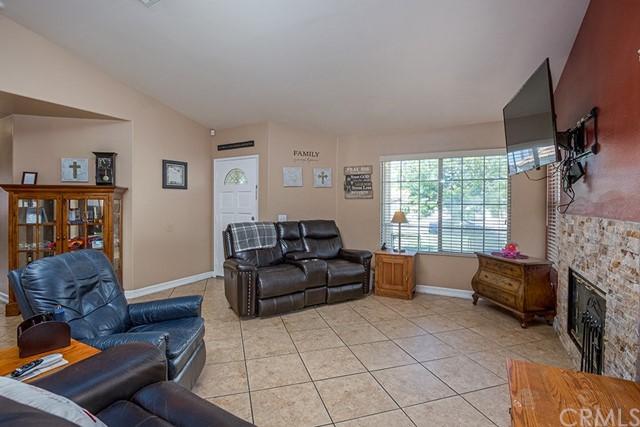 Pending | 10840 Olive Street Bloomington, CA 92316 11