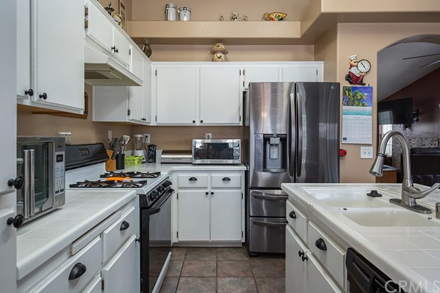 Pending | 10840 Olive Street Bloomington, CA 92316 14