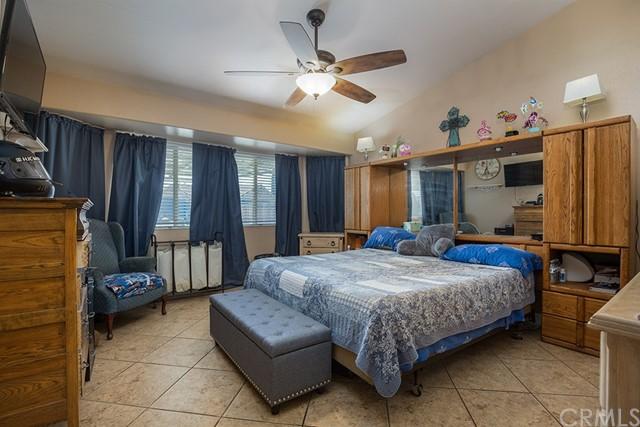 Pending | 10840 Olive Street Bloomington, CA 92316 19