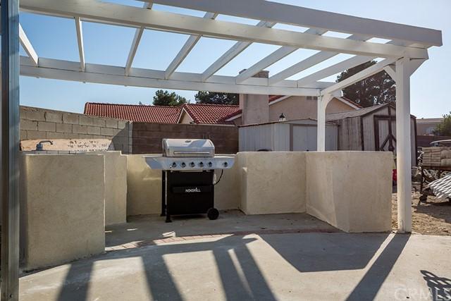 Pending | 10840 Olive Street Bloomington, CA 92316 24