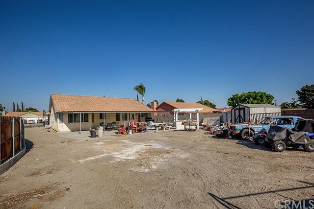 Pending | 10840 Olive Street Bloomington, CA 92316 27