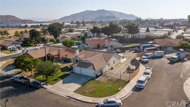 Pending | 10840 Olive Street Bloomington, CA 92316 33