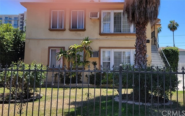 Pending   11416 Killion Street North Hollywood, CA 91601 1
