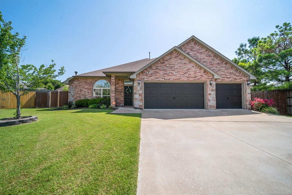 Off Market   25235 S Persimmon Court Claremore, Oklahoma 74019 0