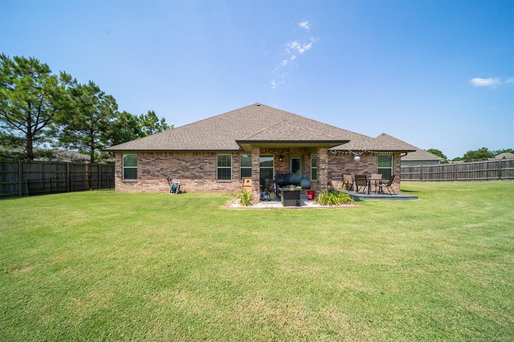 Off Market   25235 S Persimmon Court Claremore, Oklahoma 74019 37