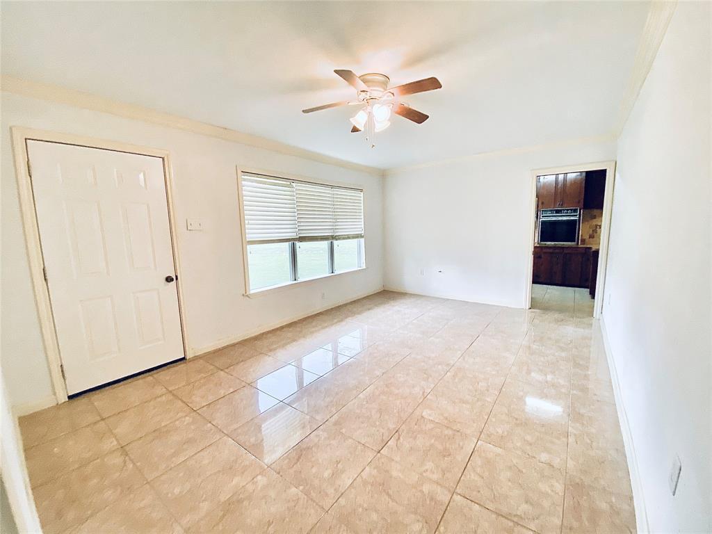 Off Market | 520 Stratford Street Highlands, Texas 77562 7