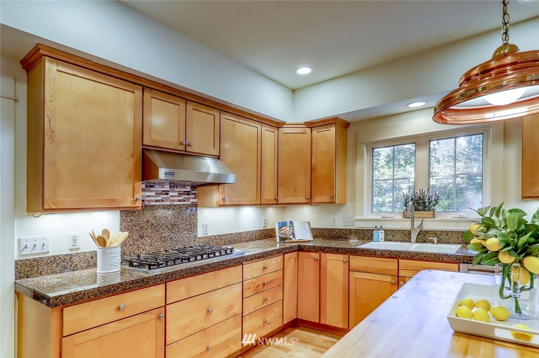 Sold Property | 9805 Hilltop Drive NE Bainbridge Island, WA 98110 19
