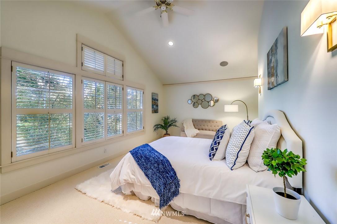 Sold Property | 9805 Hilltop Drive NE Bainbridge Island, WA 98110 23