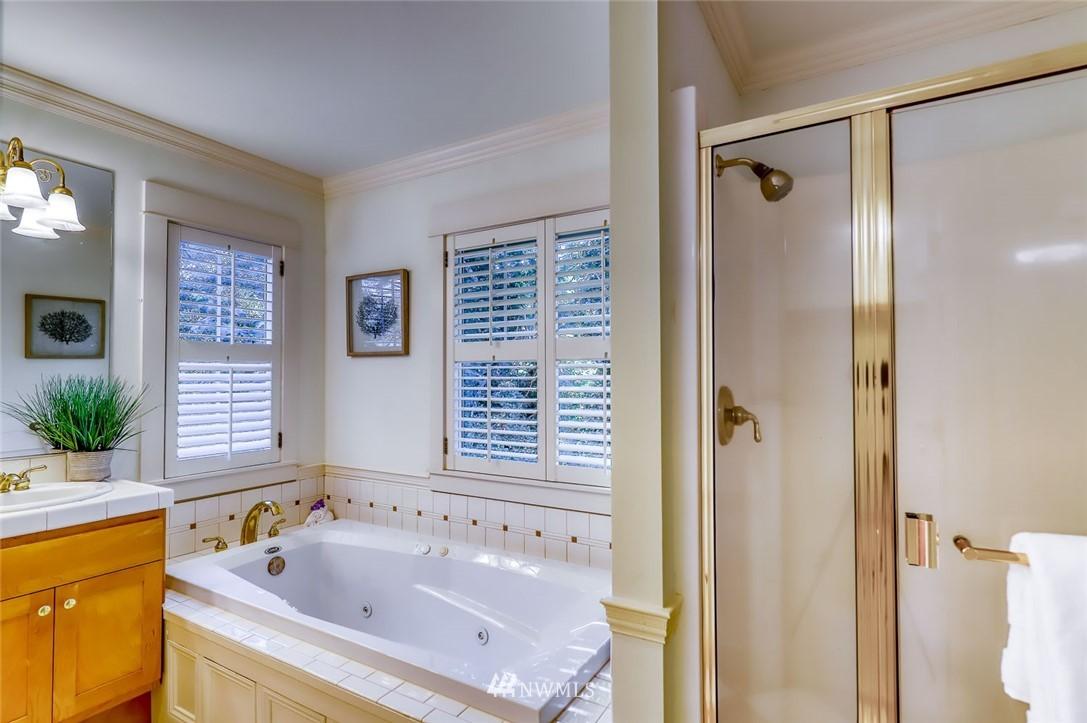 Sold Property | 9805 Hilltop Drive NE Bainbridge Island, WA 98110 25
