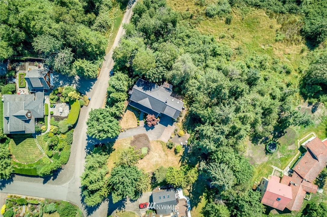 Sold Property | 9805 Hilltop Drive NE Bainbridge Island, WA 98110 32