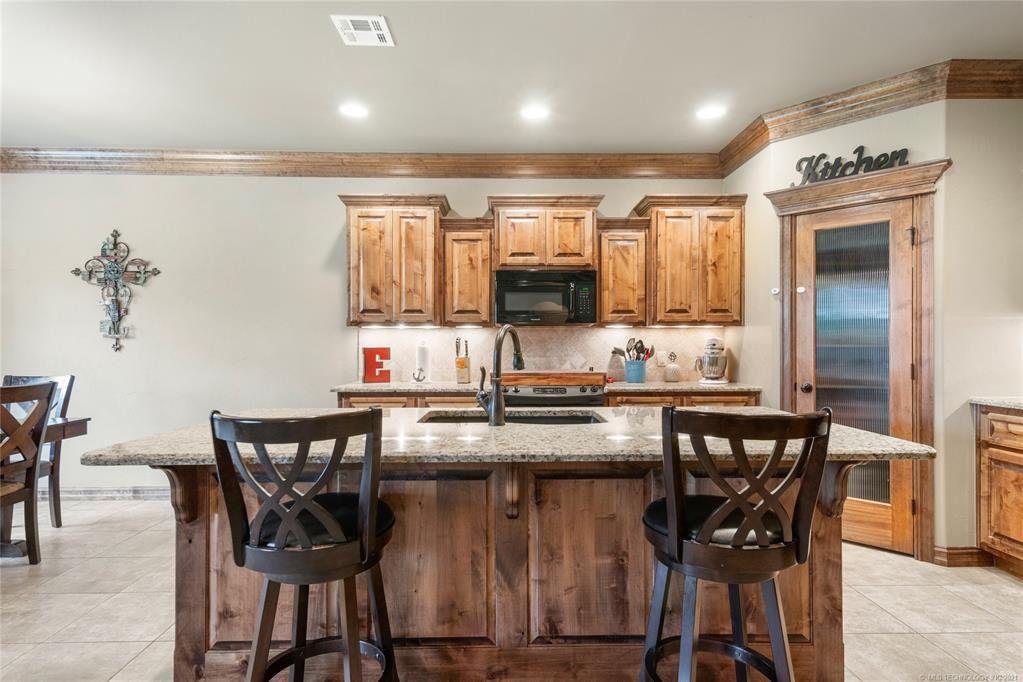 Active | 1706 Forest Hill Drive Claremore, Oklahoma 74017 6