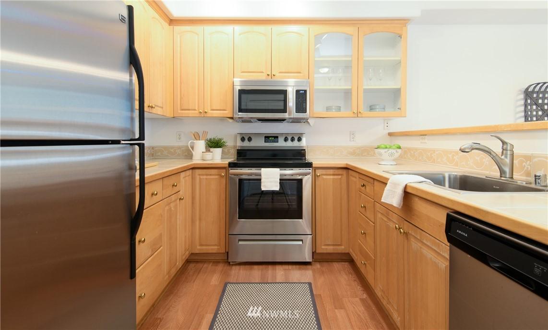 Sold Property | 6831 NE 170th Street #206 Kenmore, WA 98028 3