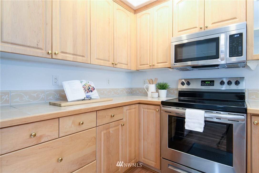 Sold Property | 6831 NE 170th Street #206 Kenmore, WA 98028 4