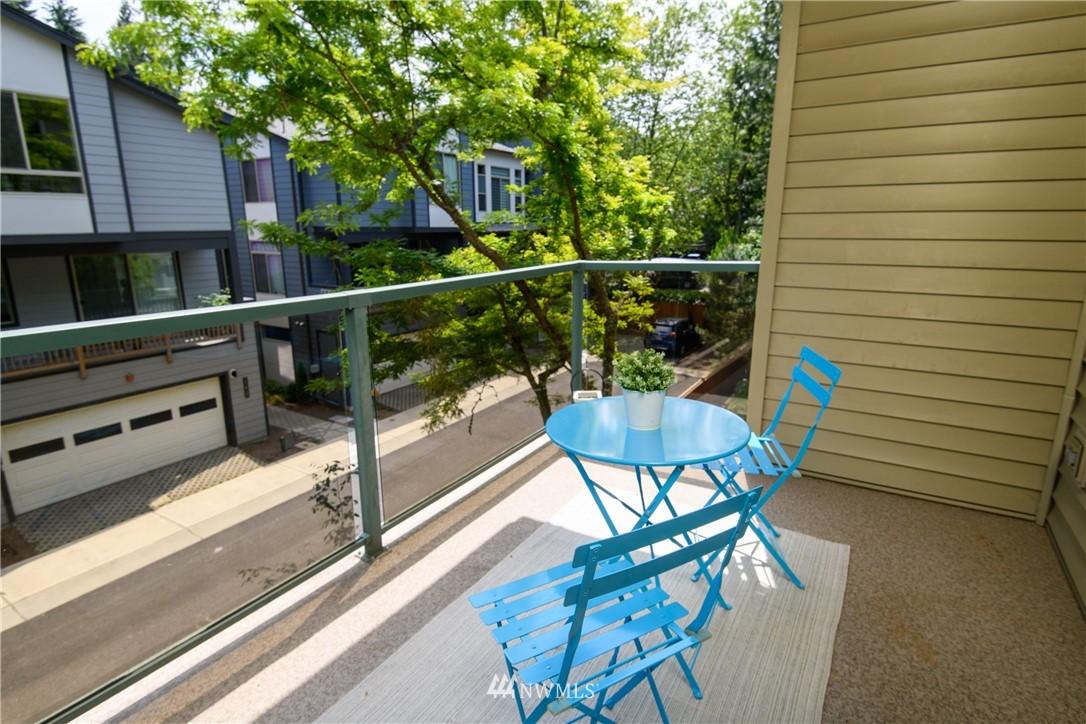 Sold Property | 6831 NE 170th Street #206 Kenmore, WA 98028 21
