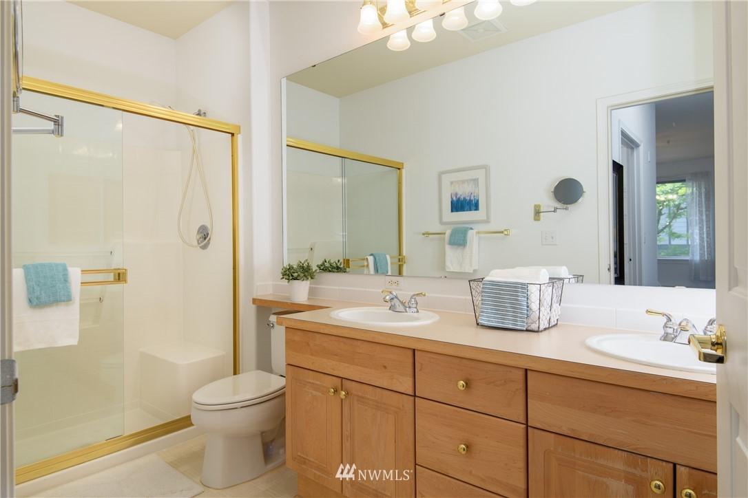 Sold Property | 6831 NE 170th Street #206 Kenmore, WA 98028 32
