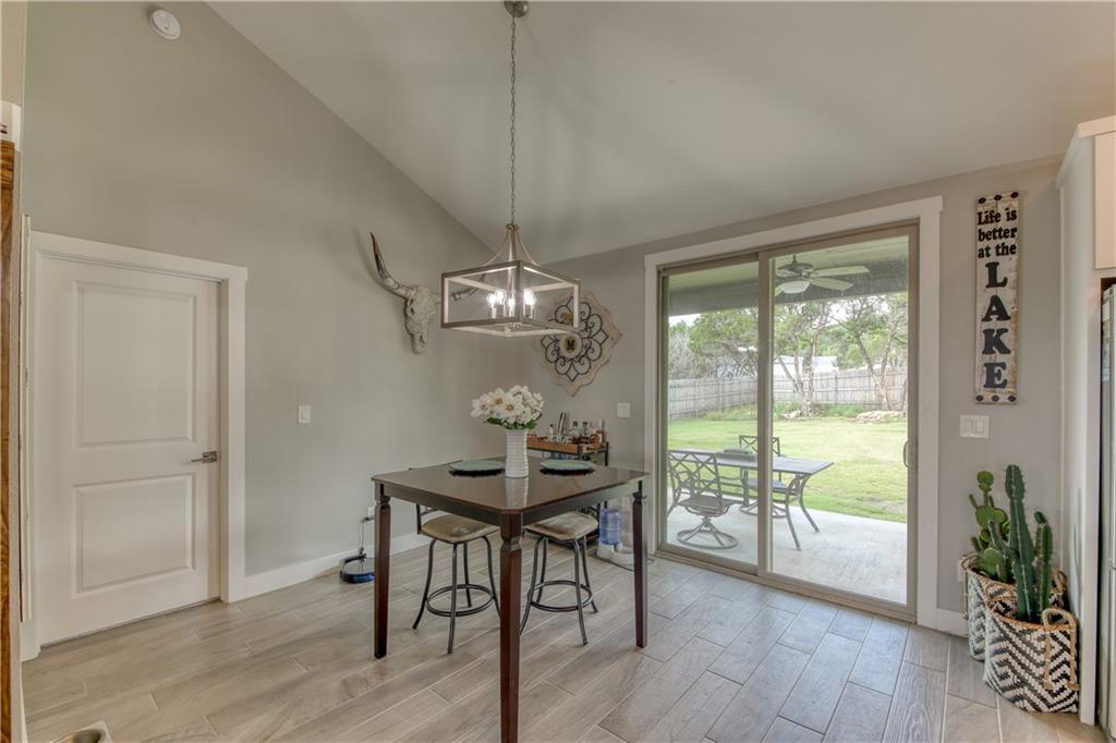 Closed   21333 Mount View Drive Lago Vista, TX 78645 12