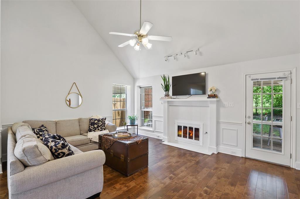 Sold Property | 1406 Pawnee Trail Carrollton, Texas 75007 5