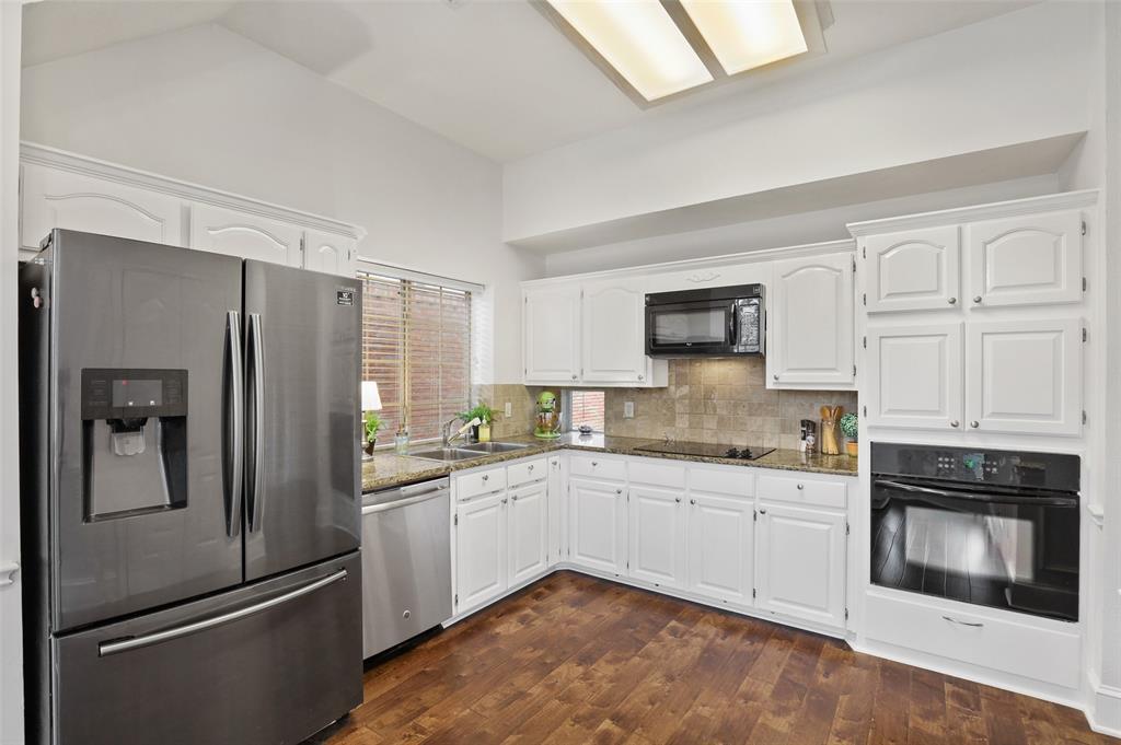 Sold Property | 1406 Pawnee Trail Carrollton, Texas 75007 8