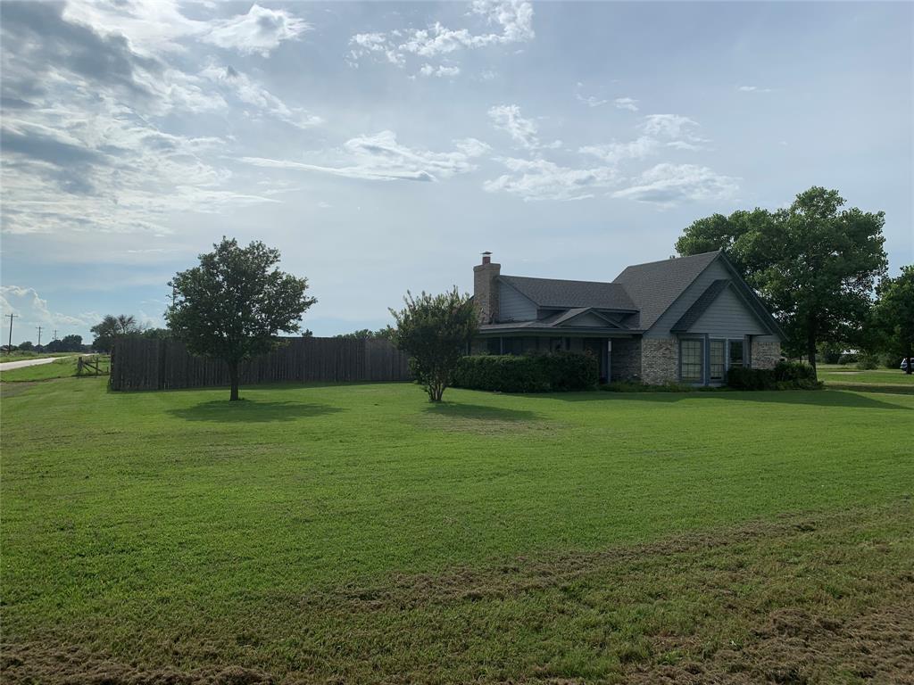 Pending | 20260 Willow Glade Circle Pilot Point, Texas 76258 3