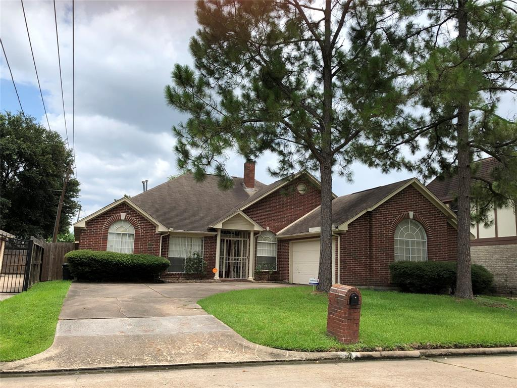 Off Market   3243 Ashfield Drive Houston, Texas 77082 1