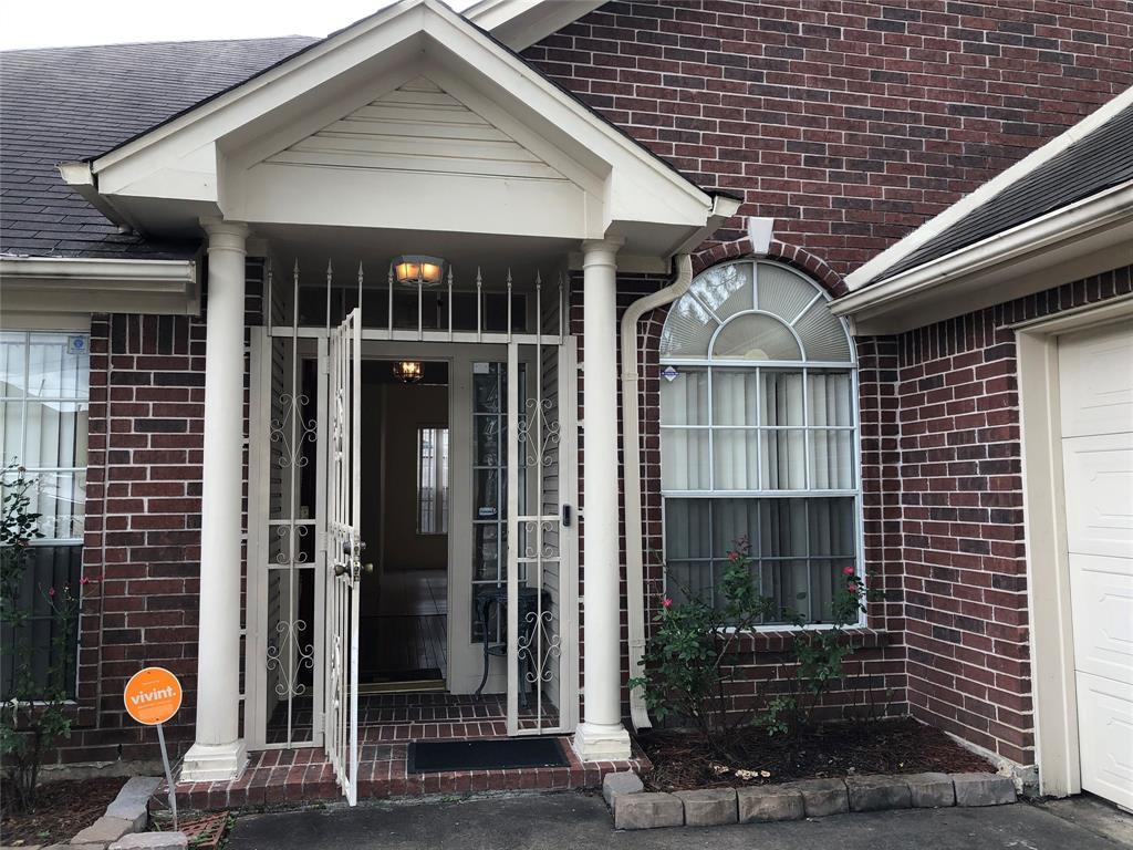Off Market   3243 Ashfield Drive Houston, Texas 77082 3
