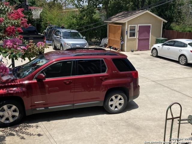 Active   609 E Locust ST San Antonio, TX 78212 7