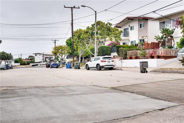 Active Under Contract | 703 El Redondo Avenue Redondo Beach, CA 90277 55
