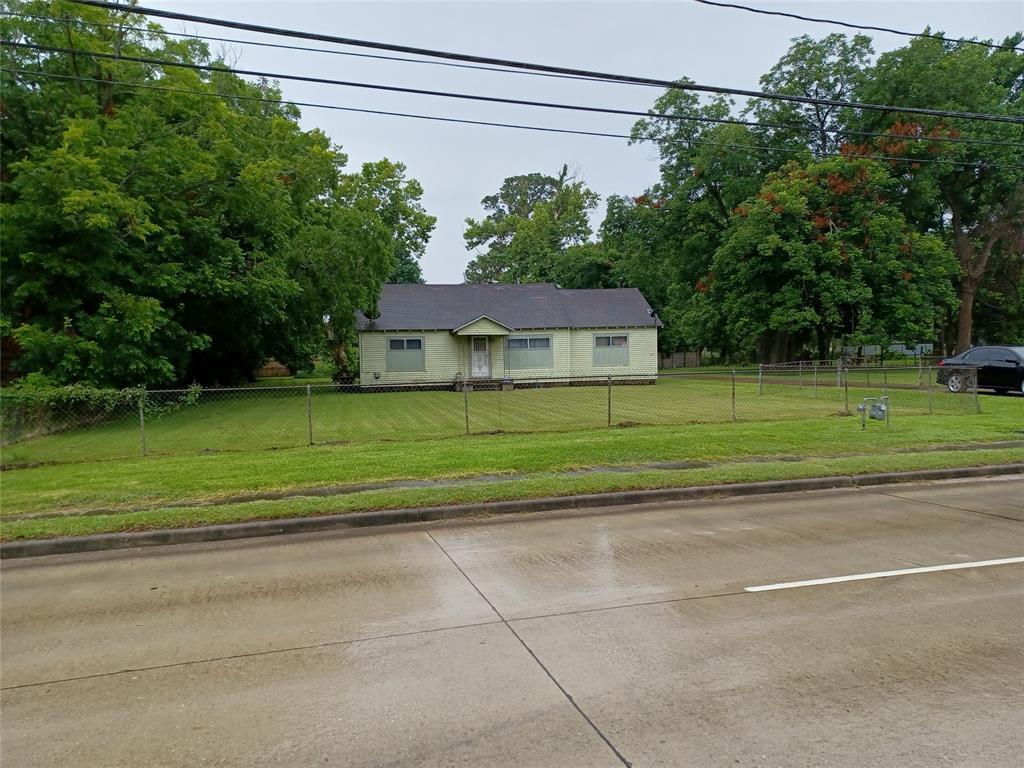 Active   8110 Ley Road Houston, Texas 77028 4
