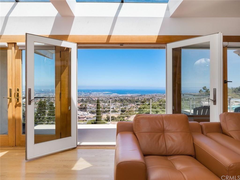 Active | 2135 Chandeleur Drive Rancho Palos Verdes, CA 90275 8
