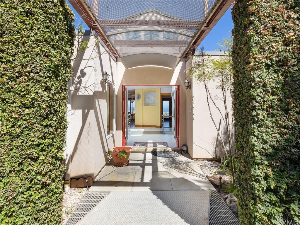 Active | 2135 Chandeleur Drive Rancho Palos Verdes, CA 90275 3
